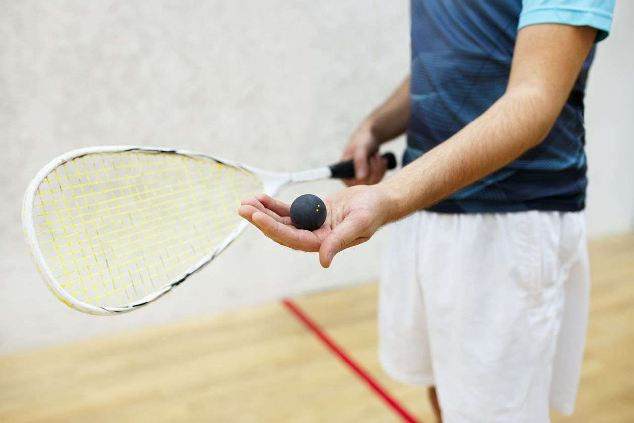 how fast does a squash ball travel