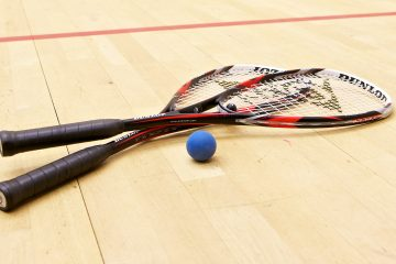 how to choose a squash racket